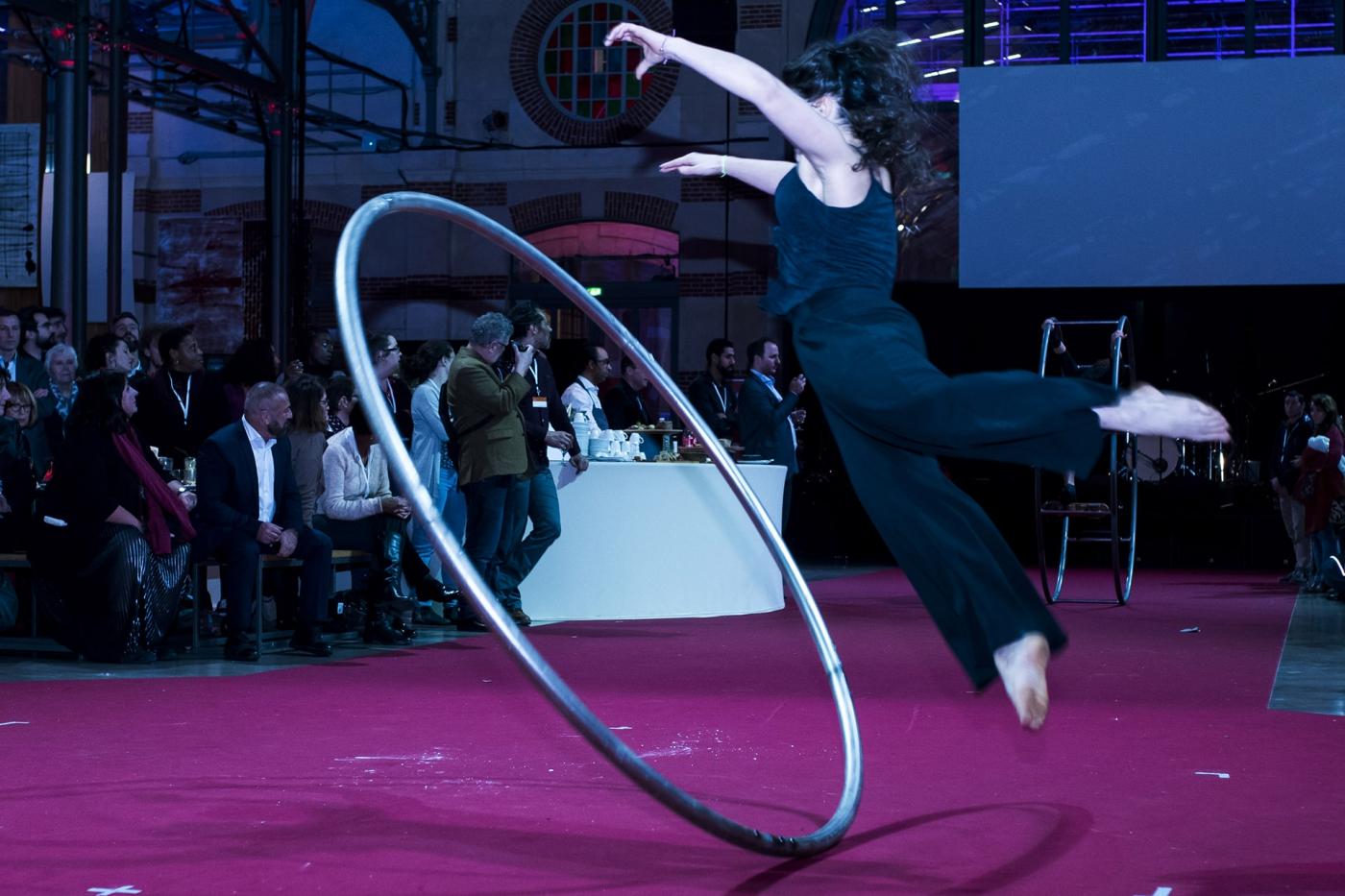 Superbe show de l'École nationale du cirque de Rosny-sous-Bois (ENACR lors de la soirée du centenaire